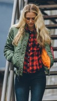 Жіноча куртка бомбер MA-1 W Flight Jacket Alpha Industries Olive
